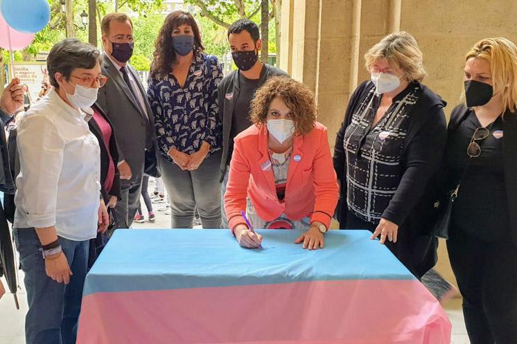 exigimos la igualdad trans en Sevilla